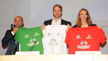 Da sinistra i campioni di ciclismo Paolo Bettini e del nuoto Massimiliano Rosolino, e il Ministro Stefania Prestigiacomo