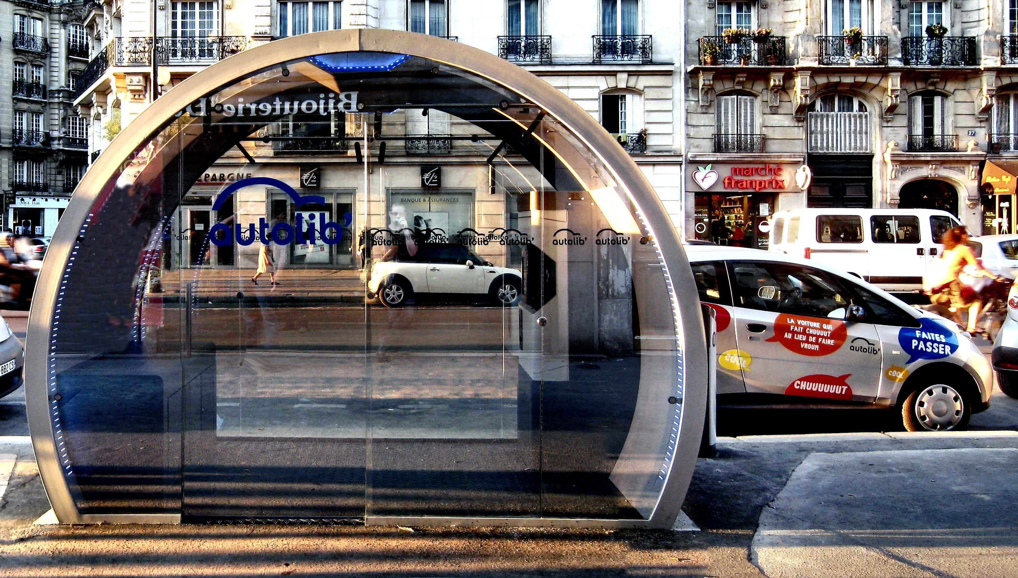 Parigi_Autolib_punto_di_ricarica