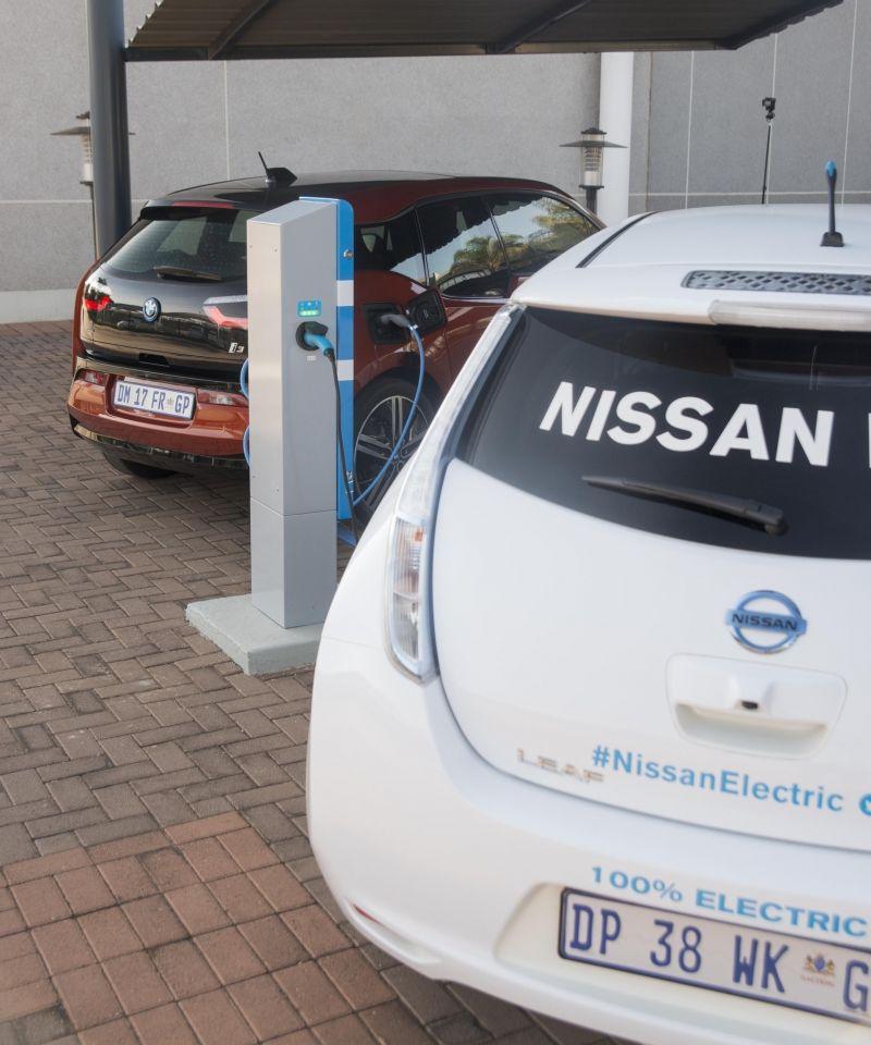 Nissan - BMW